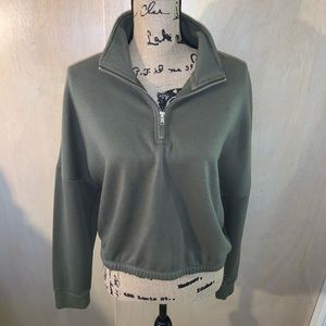 ‼️ NEW LISTING olive green cropped quarter zip